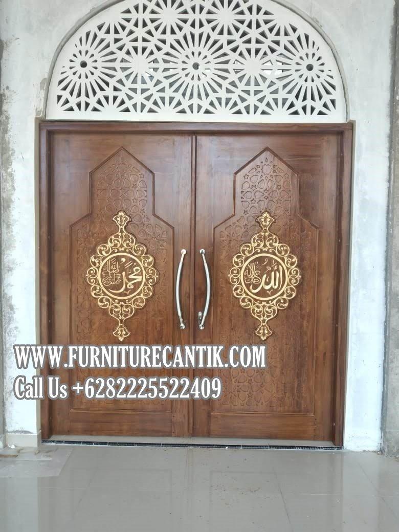 Pintu Utama Masjid Kayu Jati Ukiran