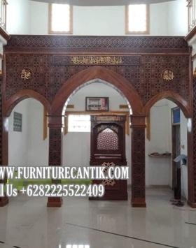 Mimbar Khutbah Masjid Dan Mihrab